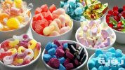 تفسير رؤية اكل الحلويات في الحلم
