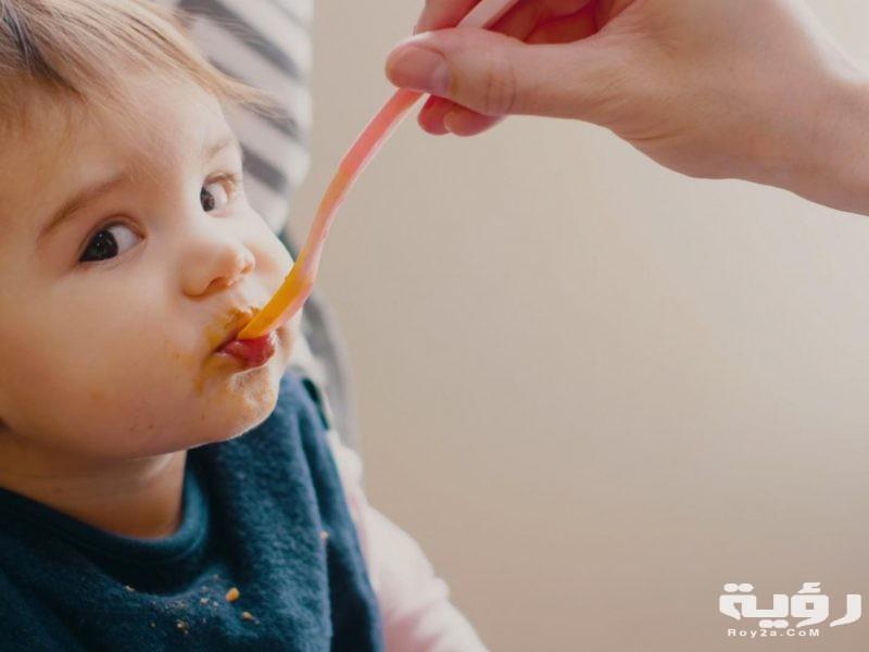 تفسير رؤية اطعام طفل صغير في الحلم