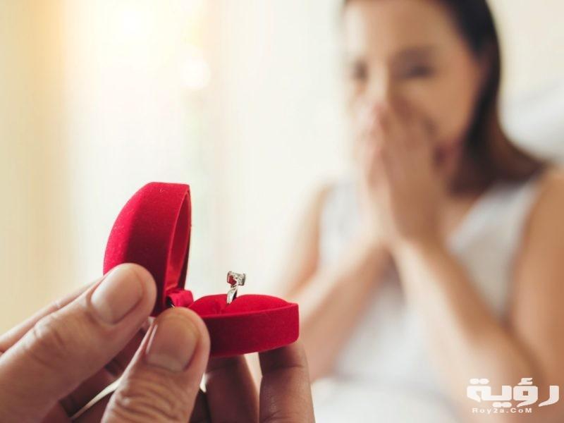 تفسير رؤية رجل يعطيني خاتم في الحلم